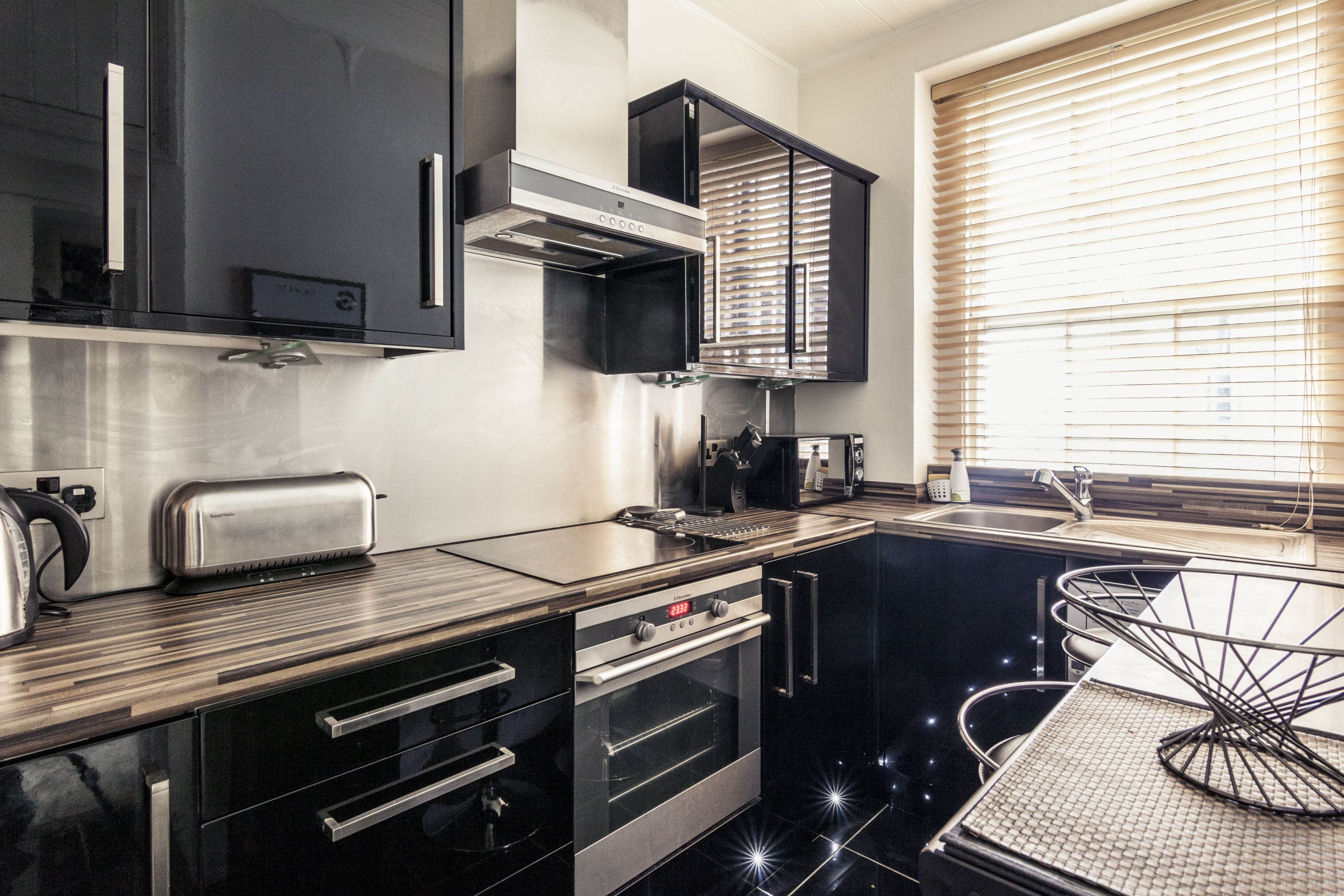 A photo of our Oxford Street apartment's kitchen
