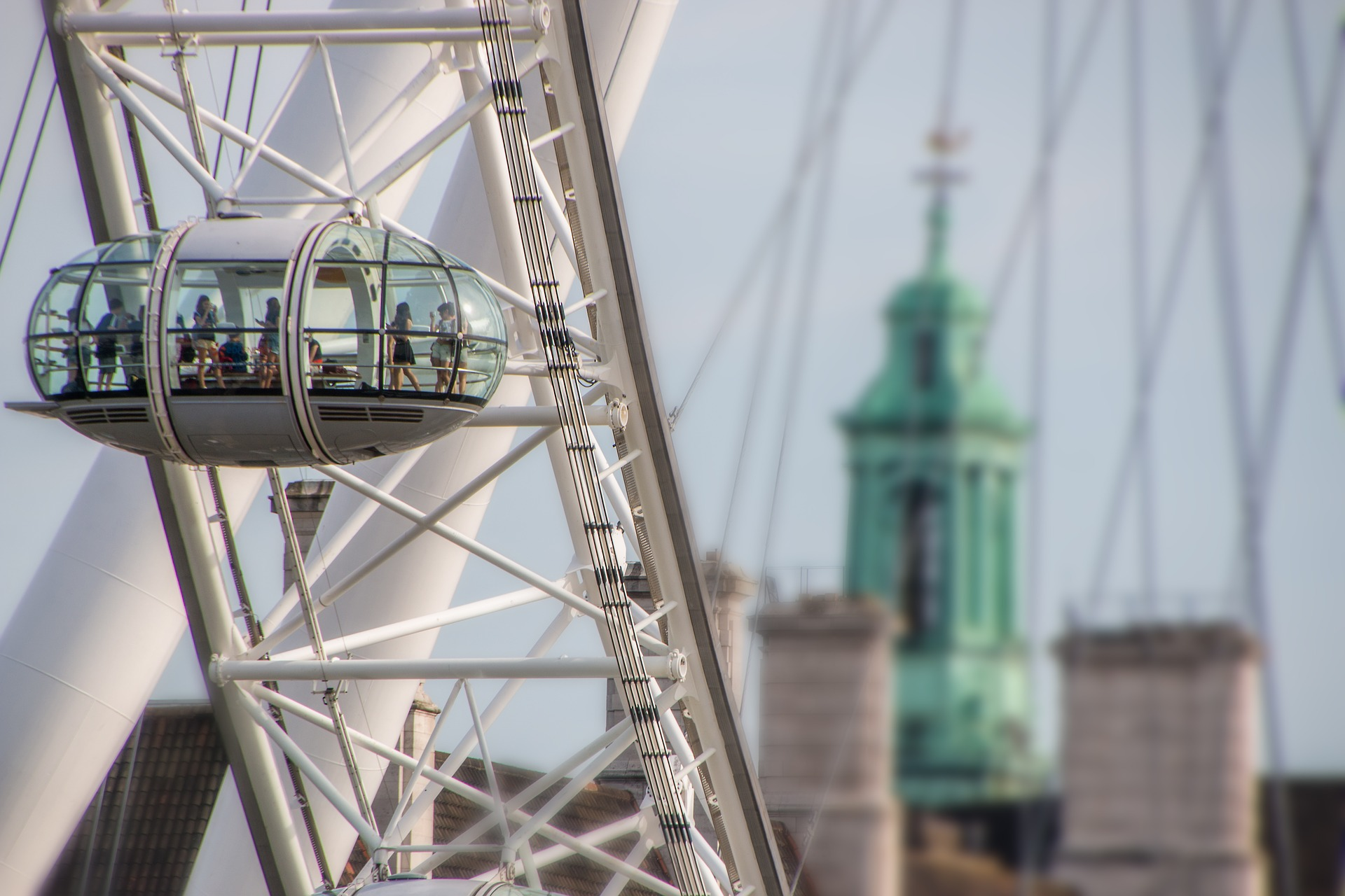 An artsy photograph of the famous London Eye, one of the most recognisable landmarks in London